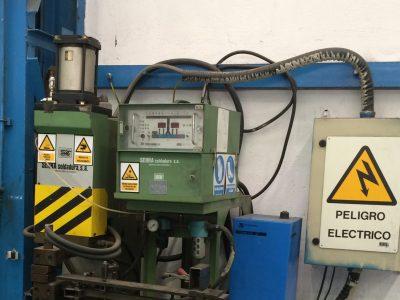 Señalización de riesgos en equipos eléctricos